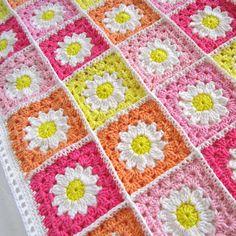 Transcendent Crochet a Solid Granny Square Ideas. Inconceivable Crochet a Solid Granny Square Ideas. Point Granny Au Crochet, Crochet Daisy, Manta Crochet, Crochet Flowers, Double Crochet, Granny Square Crochet Pattern, Crochet Squares, Crochet Motif, Knit Crochet