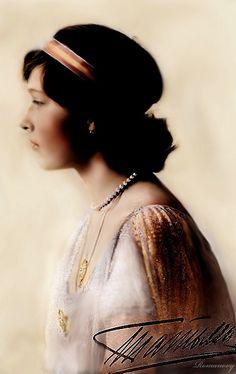 A fetching profile portrait of Tatiana
