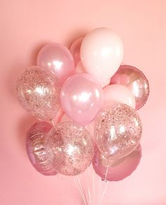 Giant pink balloon bouquet- youll be tickled pink by this gorgeous bouquet of all pink balloons. Bouquet includes 18 deflated balloons: 12 inch) solid balloons 3 inch) confetti balloons 3 inch) metallic Mylar balloons Gorgeous for weddings, ph Glitter Confetti, Pink Glitter, Metallic Pink, Confetti Ideas, Glitter Outfit, Glitter Gif, Pink Sparkly, Pink Parties, Birthday Parties
