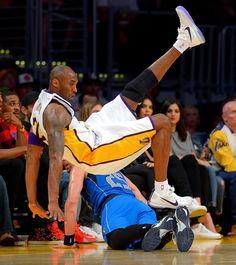 Kobe Bryant after Lakers' third consecutive loss: I suck Kobe Bryant Family, Kobe Bryant Nba, Lebron James Lakers, Lakers Kobe, Kobe Mamba, Kobe Bryant Pictures, Vanessa Bryant, Kobe Bryant Black Mamba, Baskets