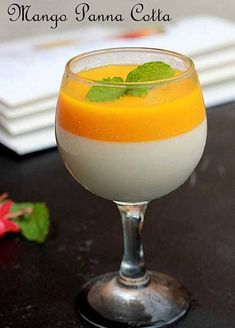 Mango Panna Cotta Recipe Here is an elegant dessert that will wow a crowd. This Mango Panna Cotta's looks and taste are beyond elegant, but the preparation could not be any easier. Indian Desserts, Indian Sweets, Just Desserts, Indian Food Recipes, Delicious Desserts, Party Desserts, Mango Panna Cotta, Elegante Desserts, Bon Dessert
