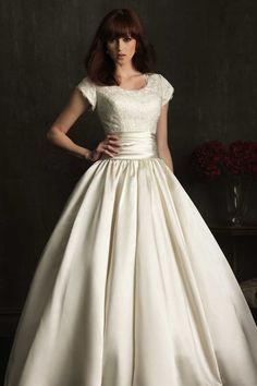 [163.99€] Robe de mariée princesse pomme mancheron en satin