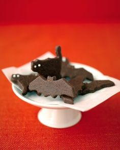 Halloween Cookies  Make over your chocolate cookies into frightening bats and scaredy-cats.