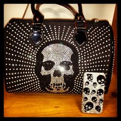 ♥♥if anyone knows where to find this purse paleeeeeeeze let me know!!!