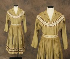South western patio dress in an unusual colour and in corduroy Classic Clothes, Classic Outfits, Mexican Skirts, Vintage Western Wear, Fiesta Dress, Full Circle Skirts, Western Dresses, Cowgirls, Vintage Skirt
