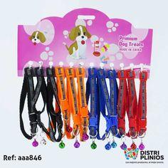 Collar Para Mascotas Pequeñas Con Sonajero Para Mascotas Collar pequeño con sonajero, diseño con huesos y viene en cuatro colores, ideal para tu mascota. (Venta minima carton x 12) Para ventas al por mayor comuníquese al 320 3083208 o al 3423674 en Bogotá