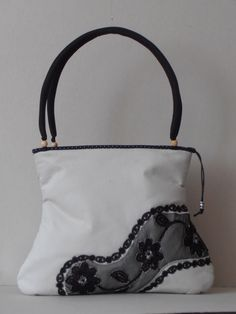 white cotton canvas shoulder bag with tulle decoration