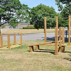 The group workout station is the ideal outdoor fitness equipment for group workout sessions