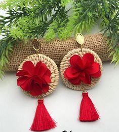 Aretes Diy Thread Earrings, Diy Earrings, Handmade Beaded Jewelry, Earrings Handmade, Jewelry Accessories, Jewelry Design, Fabric Jewelry, Jewelry Crafts, Jewelery