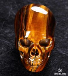☆ Tiger Iron Eye Crystal Skull ☆