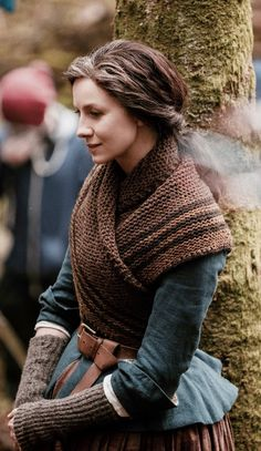 cait queen — Caitriona Balfe - Claire Fraser | behind the...
