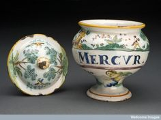 The mercury pills stored in this jar probably made to a recipe developed by Augustin Belloste (1654-1730). Mercury was the traditional remedy for syphilis and the demand for Belloste's recipe made his pills very successful. The family became rich from the profits. The recipe remained a secret and was still available in the early 20thC. The pills were also used to treat gout, and kidney and bladder stones. Unfortunately, the mercury in the pills slowly poisoned the patients.