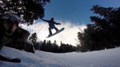 Rincón con encanto y salto incluido de #Ax3Domain #AxLesThermes #Francia #snowboard #snow Frozen Water, Snowboard, Mount Everest, Mountains, Nature, Travel, Surfing, Snow, France