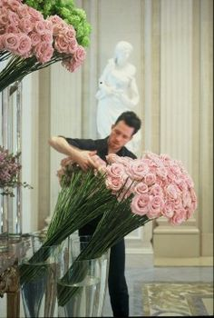 Elegant Flower Displays | Four Seasons Hotel George V | Paris - working with roughly 15,000 flowers PER WEEK, Jeff and his staff transform George V from Season to Season