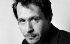 lefty actor Gary Oldman, happy birthday from famouslefties.com