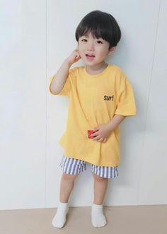 """Sono ah lu""- y/n ""Ih ngusir cogan"" -jisung ""누구세요? Cute Baby Boy, Cute Little Baby, Little Babies, Cute Boys, Kids Boys, Baby Kids, Cute Asian Babies, Korean Babies, Asian Kids"