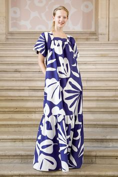 Marimekko Ready To Wear Spring Summer 2019 Paris Modest Fashion, Fashion Dresses, Live Fashion, Fashion Show, Marimekko Dress, Chic Summer Style, Kimono Design, Nice Dresses, Summer Dresses