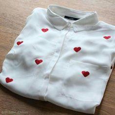 DIY: Personaliza una camisa con corazones Diy Embroidery Shirt, Embroidery On Clothes, Embroidered Clothes, Look Fashion, Diy Fashion, Custom Clothes, Diy Clothes, Jean Diy, Diy Vetement
