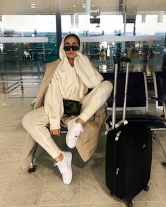 Comfy Airport Outfit, Comfy Travel Outfit, Travel Outfit Summer, Airport Outfits, Airport Style, Chill Outfits, Sporty Outfits, Trendy Outfits, Cute Outfits