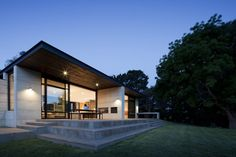 Yet another house I could easily live in. Robson Rak Architects have designed a house on a 10-acre farm located in Merricks North near Melbourne, Australia.