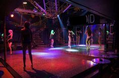 Luxembourg: table dance club