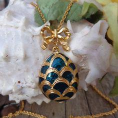 SOLD  VTG AVON 1988 EASTER EGG Faberges Style Enamel Pendant Necklace DESIGNER JEWELRY