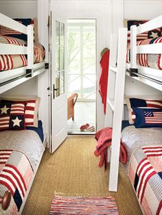 Red white blue bunk room... Love the look. Not so excited about the practical aspect. Bunk Beds are a bugger to make! Beach or lake house idea