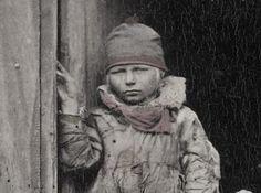 En samisk gutt fra Norge på 1800-tallet. A norwegian Sami boy in the 1800's. Photo: F. Beyer, Bergen.