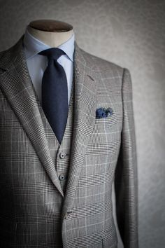 3 piece suit matching tie and pocket square. Vintage is classy