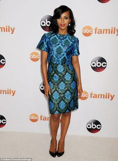 Beautiful in blue! Kerry Washington glowed in a gorgeous blue crop top and coordinating sk...