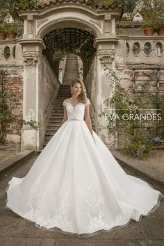 Eva Grandes | Luxury 2019 | Campaign Bridal Lace, Bridal Style, Cheap Wedding Dress, Wedding Dresses, Gown Wedding, Cathedral Train, Wedding Events, Cap Sleeves, Ball Gowns