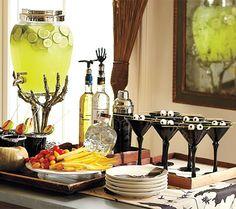 Schaurig-schönes Buffet - Halloween: Party-Dekoration 2 - [LIVING AT HOME]