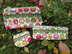 Kulturbeutel - Apfel-Set Kulturbeutel, Stiftetasche, Geldbeutel - ein Designerstück von ZauberDrum bei DaWanda