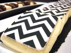 Chevron sugar cookies!  Custom cookies and bite-sized treats for your next party here:  http://thehotpinkbox.com