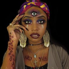 Ouija Board Makeup Ideas – Halloween Costume Trends 2016 The post Recreate This Eerily Cool Ouija Board Halloween Costume appeared first on Best Pins for Yours. Creepy Halloween Makeup, Halloween Looks, Funny Halloween Costumes, Boy Halloween, Crazy Costumes, Halloween Inspo, Halloween Halloween, Vintage Halloween, Ouija