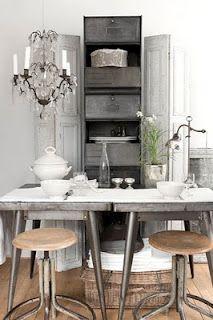 Vintage & Whiskers... those stools!