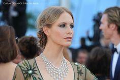 Cannes 2015 : on imite le chignon bobo de Poppy Delevingne http://fashions-addict.com/Cannes-2015-on-imite-le-chignon-bobo-de-Poppy-Delevingne_381___1142.html #coiffure #haircut