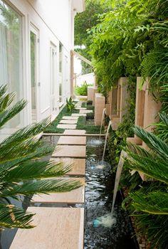 Casa de 1200 m² tem jardins dentro e fora e uma incrível vista para o mar (Foto: Romulo Fialdini/Divulgação)