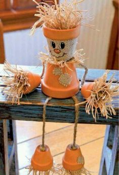 Create a friendly DIY fall project with terra-cotta pots, straw, and a few simple accessories!- great little craft activities for halloween & Fall. Autumn Crafts, Thanksgiving Crafts, Thanksgiving Decorations, Holiday Crafts, Autumn Decorations, Thanksgiving Table, Easter Crafts, Christmas Crafts, Christmas Tree