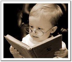 Los incontables beneficios de leer un libro (I) El autor del artículo dice que el libro frente a los soportes digitales fomenta la inteligencia sostenida y, por lo tanto, la concentración de la atención. Les recuerdo que la hisperactividad es un mal extendido en nuestro tiempo
