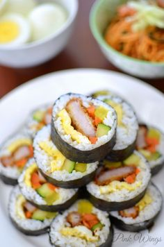 Tonkatsu = fried pork cutlet Kimbap = Korean version of sushi To end this food-post week: one of my favorites. Kimbap is possibly the on. Sushi Recipes, Pork Recipes, Asian Recipes, Cooking Recipes, Korean Dishes, Korean Food, Kimchi, Gimbap, Onigirazu