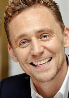 Tom Hiddleston. (Edit by Magnus-hiddleston.tumblr) http://magnus-hiddleston.tumblr.com/post/151018194106                                                                                                                                                                                 Más