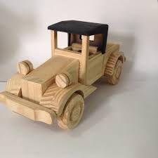 Resultado de imagem para carro antigo de madeira