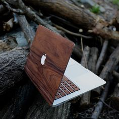 Give your MacBook a whole new look with the Real Rosewood MacBook Case. These has been made out of high quality real wood rosewood with a 3m pressure sensitive adhesive. You simply need to peel and stick them on your MacBook and enjoy the cool wooden texture thereafter. This is a handmade product which has been made in the USA that come with a finish of a natural danish oil. Every skin has a peel + stick feature that can be applied within minutes. The danish oil finish comes with slits in…