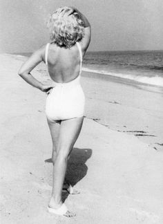 We have the same curves! I feel validated now :D  1958: Marilyn Monroe photographed by Sam Shaw