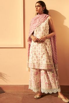 Aanya the designer look Ethnic Outfits, Indian Outfits, Western Outfits, Indian Dresses, Indian Attire, Indian Ethnic Wear, Traditional Fashion, Traditional Outfits, Casual Indian Fashion