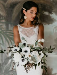 Dapper and Darling: Vintage Meets Glam for this Great Gatsby.- Dapper and Darling: Vintage Meets Glam for this Great Gatsby-Inspired Elopement Dapper and Darling: Vintage Meets Glam for this Great Gatsby-Inspired Elopement – Green Wedding Shoes - White Wedding Bouquets, Wedding Flower Arrangements, Green Wedding Shoes, Bride Bouquets, Floral Wedding, Wedding Colors, Wedding Dresses, Wedding Centerpieces, Bridesmaid Bouquets