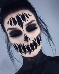 50 Attractive And Fabulous Halloween Makeup Ideas For Your H.- 50 Attractive And Fabulous Halloween Makeup Ideas For Your Halloween Inspiration Page 29 of 50 - Amazing Halloween Makeup, Halloween Inspo, Halloween Makeup Looks, Costume Halloween, Scary Halloween, Halloween Party, Awesome Makeup, Halloween Bride, Ghost Makeup