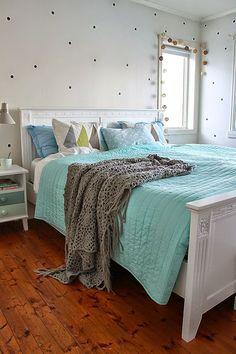 Un dormitorio de otoño lleno de color | Decorar tu casa es facilisimo.com