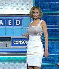 Rachel Riley is an English television presenter and mathematician. Rachel Riley Legs, Racheal Riley, Tv Girls, Anna, Tv Presenters, Female Stars, In Pantyhose, Woman Crush, Amazing Women